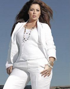 056fd29ee248 Fluvia Lacerda. All White OutfitPlus Size ...