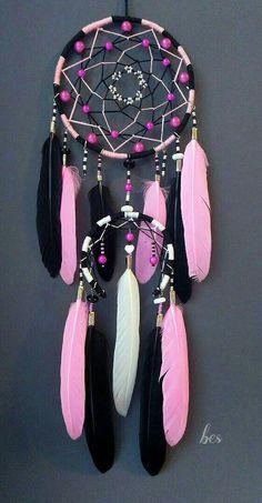 Los Dreamcatchers, Kids Crafts, Arts And Crafts, Dreamcatcher Wallpaper, Dream Catcher Decor, Beautiful Dream Catchers, Dream Catcher Native American, Handmade Home Decor, Suncatchers
