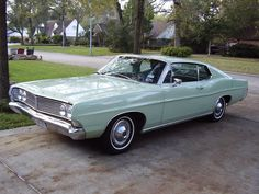 1968 Ford Galaxie 500 Fastback - the fastback was so lo-o-o-ng on this full sized car!