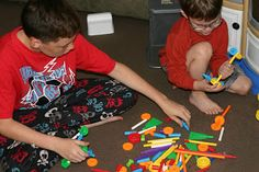100 pc Tinker Toy Set Review/Giveaway on Mom of 4 Boys! @K'NEX Brands