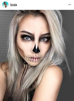 trendy holiday makeup looks tutorials halloween costumes - Halloween - Make-Up Hochzeit Halloween 2018, Halloween Looks, Halloween Clown, Halloween Inspo, Unique Halloween Makeup, Holiday Makeup Looks, Pretty Skeleton Makeup, Halloween Skeleton Makeup, Halloween Costumes With Makeup