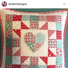 Look at this amazing pillow @teriberidesigns made using my 4-patch heart pattern!!! It turned out fabulous!! I must make one!! . #4patchheart #patchworkpillow #quilting #quilt #patchwork