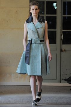 See all the Collection photos from Bouchra Jarrar Autumn/Winter 2014 Couture now on British Vogue Review Fashion, Fashion Week, Fashion Show, Fashion Design, Style Couture, Couture Fashion, Runway Fashion, Paris Fashion, Bouchra Jarrar