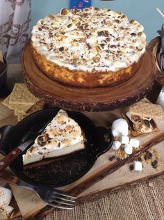 @cristinacooks makes a S'mores Cheesecake with Teddy Grahams from Taste of Home Magazine! #smores #cheesecake #teddygrahams #sweet #dessert #chocolate #marshmallow #homeandfamily #homeandfamilytv