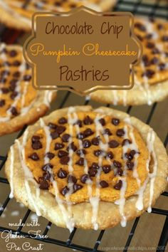 Chocolate Chip Pumpkin Cheesecake Pastries {gluten free option} - easy and yummy… Fall Desserts, Gluten Free Desserts, Just Desserts, Delicious Desserts, Yummy Food, Pumpkin Dessert, Pumpkin Cheesecake, Cheesecake Recipes, Dessert Recipes