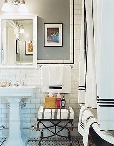 white subway tile, black, white, and interior design interior bathroom design Classic Bathroom, Modern Bathroom, Small Bathroom, Bathroom Black, White Bathrooms, Downstairs Bathroom, Master Bathroom, Nature Bathroom, Bathroom Accents