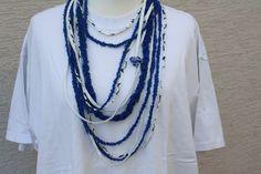 Stoffketten - Kette Textilschmuck Schmuck blau weiß Anhänger - ein Designerstück von trixies-zauberhafte-Welten bei DaWanda