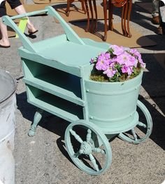 Great cart repurposed from Colonial furniture pieces Flower Truck, Flower Cart, Garden Deco, Garden Pots, Garden Benches, Fruit Garden, Hydroponic Gardening, Container Gardening, Vegetable Gardening