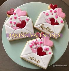 Possible Warning Signs On Valentines Day Cookies Decorated Royal Icing; possible warning signs on valentine day cookies decorated royal icing Source Cookies Cupcake, Valentine's Day Sugar Cookies, Cookie Icing, Iced Cookies, Cute Cookies, Royal Icing Cookies, Cookies Et Biscuits, Cookie Favors, Cookie Cutters