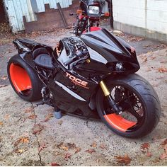 This bike is a beast! - Would you ride it? Double Tap!! ____ Photo via @brandon_wallach