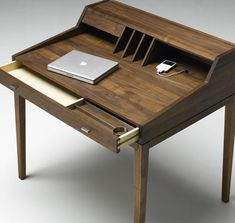 I like the simplicity of this table. modern home office