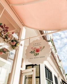 Bakery Interior, Cafe Interior Design, Cafe Design, Bakery Decor, Bakery Shop Design, Store Design, Brainstorm, Flower Shop Design, Tea Cafe