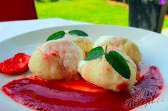 Sladké kynuté jahodové knedlíky | NejRecept.cz Sushi, Food And Drink, Ethnic Recipes