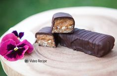 Vegan Snickers Bar with Date Caramel