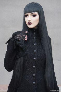 Model: © Obsidian Kerttu Welcome to Gothic and Amazing |www.gothicandamazing.com