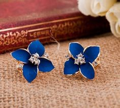 Cute Four Leaves Rhinestone Earrings