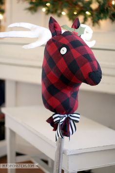 DIY Stick Reindeer -