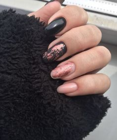 35 Gorgeous Rose Gold Nails Perfect Any Event Guide) : Rose Gold Nail Polish - Black and Rose Gold Nails - Gorgeous Rose Gold Nails Perfect For Summer -Rose Gold Nail Polish, Rose Gold Chrome Nails, Rose Gold Glitter, Rose Gold Gel Nails Gold Gel Nails, Gold Chrome Nails, Rose Gold Nail Polish, Gold Nail Art, Matte Nails, My Nails, Coffin Nails, Rose Nails, Gel Nail Polish