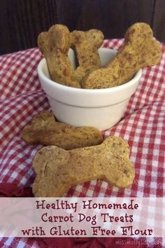 My Lady says these healthy homemade Carrot Dog Treats only have 3 ingredients and takes only minutes to whip up. That don't sound like much trouble to me and your pup will sure love ya for it! Healthy Pets, Healthy Dog Treats, Dog Treat Recipes, Dog Food Recipes, Cake Recipes, Dog Safe Cake Recipe, Carrot Dogs, Animal Nutrition, Pet Nutrition