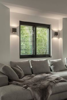 Black shutters in modern living room. Wall lighting placed next to window - Black shutters in modern living room. Wall lighting placed next to window - Inside A House, Classic Living Room, Modern Living, Small Space Interior Design, Bohemian Living Rooms, English Decor, Modern House Plans, Interior Inspiration, Interior And Exterior