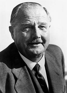 """Julius Raab (* 29. November 1891 in St. Pölten, Niederösterreich; † 8. Jänner 1964 in Wien) war Bundeskanzler der Republik Österreich (1953–1961) und wurde als """"Staatsvertragskanzler"""" bekannt. Lee Jeffries, Politicians, Austria, November, Memories, Faces, World"""