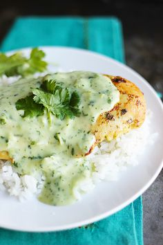Tomatillo Ranch Chicken and 4 other chicken recipes Think Food, I Love Food, Good Food, Yummy Food, Tasty, Clean Eating, Healthy Eating, Tarte Caramel, Cooking Recipes