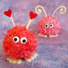 Valentine's Day Warm Fuzzy Cake Balls and Cupcakes - Hungry Happenings