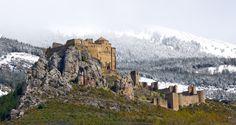 Este es un mapa elaborado con el fin de situar 40 de los castillos más bonitos de España. Entre ellos están incluidos los 10 castillos que parecen de cuento que incluimos en un post especial. Pero aquí la selección se extiende y se dispersa en cantidad de puntos en el mapa, ideal para diagramar alguna ruta o …