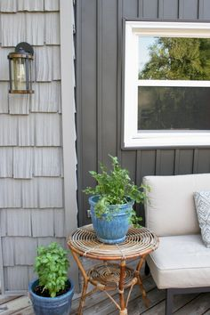 10 Stunning Home Exteriors with Board and Batten Siding 10 Stunning Home Exteriors with Board and Batten Siding. What is board and batten siding? Why should you choose board and batten vinyl siding for your exterior remodeling project? Cottage Exterior, Modern Farmhouse Exterior, Exterior House Colors, Exterior Design, Farmhouse Renovation, Farmhouse Ideas, Cedar Shake Siding, Cedar Shakes, Vinyl Shake Siding