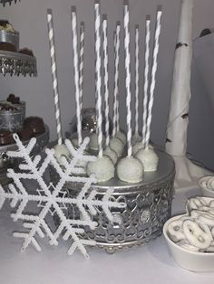 Christmas Cupcakes, Desserts, Food, Christmas Biscuits, Tailgate Desserts, Deserts, Essen, Postres, Meals