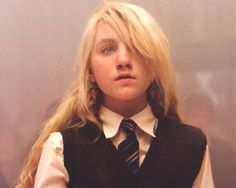 Find images and videos about harry potter, ravenclaw and luna lovegood on We Heart It - the app to get lost in what you love. Harry James Potter, Saga Harry Potter, Mundo Harry Potter, Images Harry Potter, Harry Potter Universal, Harry Potter World, Harry Potter Characters, Evanna Lynch, Luna Lovegood