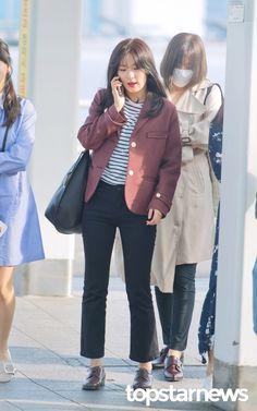 [HD포토] 레드벨벳(Red Velvet) 슬기 '슬기선배 통화 중' #레드벨벳 #RedVelvet #슬기 #인천국제공항