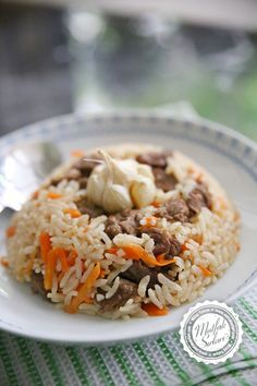 Carrot Rice with Meat - Uzbek Rice - Kitchen Secrets - Practical Cooking Style - Delicious Dishes! Healthy Eating Tips, Healthy Nutrition, Turkish Recipes, Ethnic Recipes, Thanksgiving Side Dishes, Vegetable Drinks, Unique Recipes, Tasty Dishes, Casserole Recipes