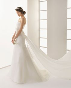 Royal organza dress with rhinestones and lace in ivory.