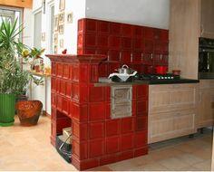 Kuchnia kaflowa wykonana w pracowni BorysArt.  Projekt, ręczne wykonanie kafli oraz montaż art.plast. Ryszard Krawczyk