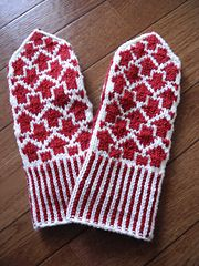 Ravelry: Arrow mittens(矢印ミトン) pattern by Makiho Negishi