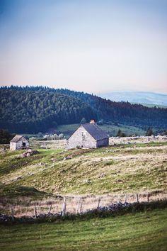 A hillside buron, Aveyron, France. Photo: Michael Paul