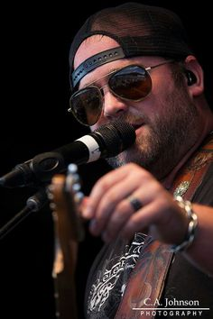 Lee Brice Sound Of Music, Music Love, Country Singers, Country Music, Lee Brice, Country Bands, Hard To Love, Nashville, Cool Girl