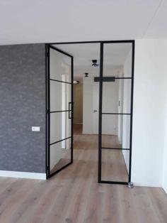 enkele stalen deur met zijlicht Loft, Home Living Room, Architecture Design, Divider, Doors, Interior, Inspiration, Furniture, Home Decor