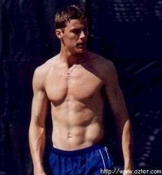 First thing i see in Pinterest is a picture of Marat Safin. Ooooh i just miss watching him play tennis!