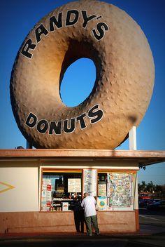 Randy's Donuts..... Inglewood, California