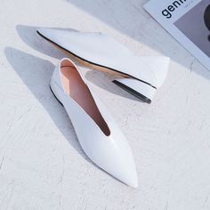 Chiko Aren Glove Shoe Mules feature pointy toe, foldable back upper, block heel with rubber sole.