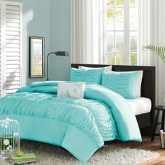 """<p>Make it sweet and chic with the Cristy duvet cover set decorated in fabulous ripples and a peach-skin finish.</p><div style=""""page-break-after: always"""