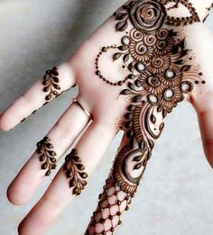 Mehendi is enhanced the beauty of your hands. Here in this article, we are going to show different Arabic bridal mehndi designs for girls. Arabic Bridal Mehndi Designs, Mehndi Designs For Girls, Henna Art Designs, Mehndi Designs For Fingers, Modern Mehndi Designs, Mehndi Design Pictures, Beautiful Mehndi Design, Mehndi Images, Mehndi Desgin