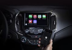 Több General Motors márkakereskedő is növekvő érdeklődésről és eladásról számol be, ami szerintük egyértelműen a CarPlay-nek köszönhető.