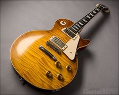 Gibson Les Paul '59 Re-Issue, Double Dirty Lemon Burst see more guitars at Lauzon Music, www.lauzonmusic.com all photography by Scott McGuigan, www.scottography.com #178