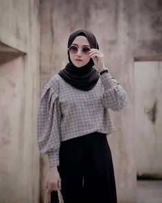 Modern Hijab Fashion, Street Hijab Fashion, Muslim Women Fashion, Hijab Fashion Inspiration, Look Fashion, Fashion Outfits, Casual Hijab Outfit, Hijab Chic, Clothes