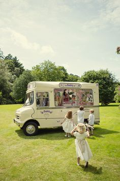 Post-ceremony ice cream truck for kids. Photography: Marianne Taylor Photography - mariannetaylorphotography.co.ukRead More: http://stylemepretty.com/2013/10/11/english-garden-wedding-from-marianne-taylor-photography/