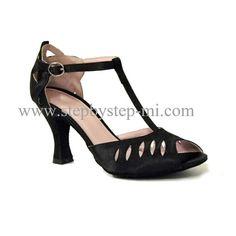 sandalo semiaperto in raso nero, suola in bufalo, tacco 75 #stepbystep #ballo #salsa #tango #kizomba #bachata #scarpedaballo #danceshoes #cute #design #fashion #shopping #shoppingonline #glamour #glam #picoftheday #shoe #style #instagood #instashoes #sandals #sandali #strass #rhinestone #instaheels #stepbystepshoes #cute #salsaon2