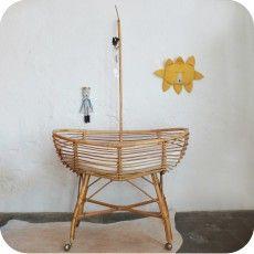 Vintage rattan baby crib - atelierdupetitparc.fr